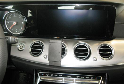 Proclip Mercedes Benz E-Class 18- Center mount